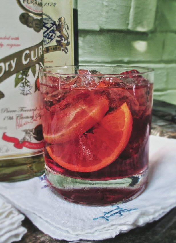 Summer Entertaining Toolkit: A Signature Cocktail (http://blog.hgtv.com/design/2014/05/15/summer-entertaining-toolkit-a-signature-cocktail/?soc=pinterest)