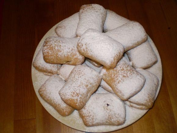 ΜΗΛΟΠΙΤΑΚΙΑ ΧΙΟΝΑΤΑ ΚΑΙ ΠΕΝΤΑΝΟΣΤΙΜΑ (σλουρπ) - Υλικά για τη ζύμη:- 1 φλ. τσαγιού καλαμποκέλαιο- 1 κεσεδάκι μικρό γιαούρτι- ½ φλ. τσαγιού ζάχαρη...