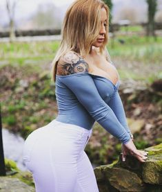 "14.7k Likes, 362 Comments - VICTORIA LOMBA ♓️ (@victorialombafit) on Instagram: ""what is your zodiac sign? I'm Pisces ♓️ and I identify myself with my sign. what's yours? Comment…"""