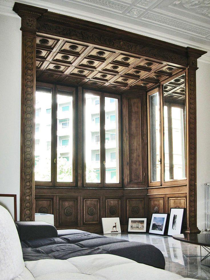 pietro russo / appartamento di silvia e adri, milano. Coffered ceiling + contrasting color woodwork for visual separation
