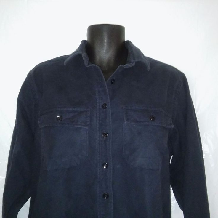 """LL Bean Womens size 18, Navy Blue Chamois Cloth Button-up Shirt with button Pockets. Soft Flannel made USA, Freeport Maine. Underarm to underarm 25.5"""" 65cm and Length 29"""" 73.5cm. 