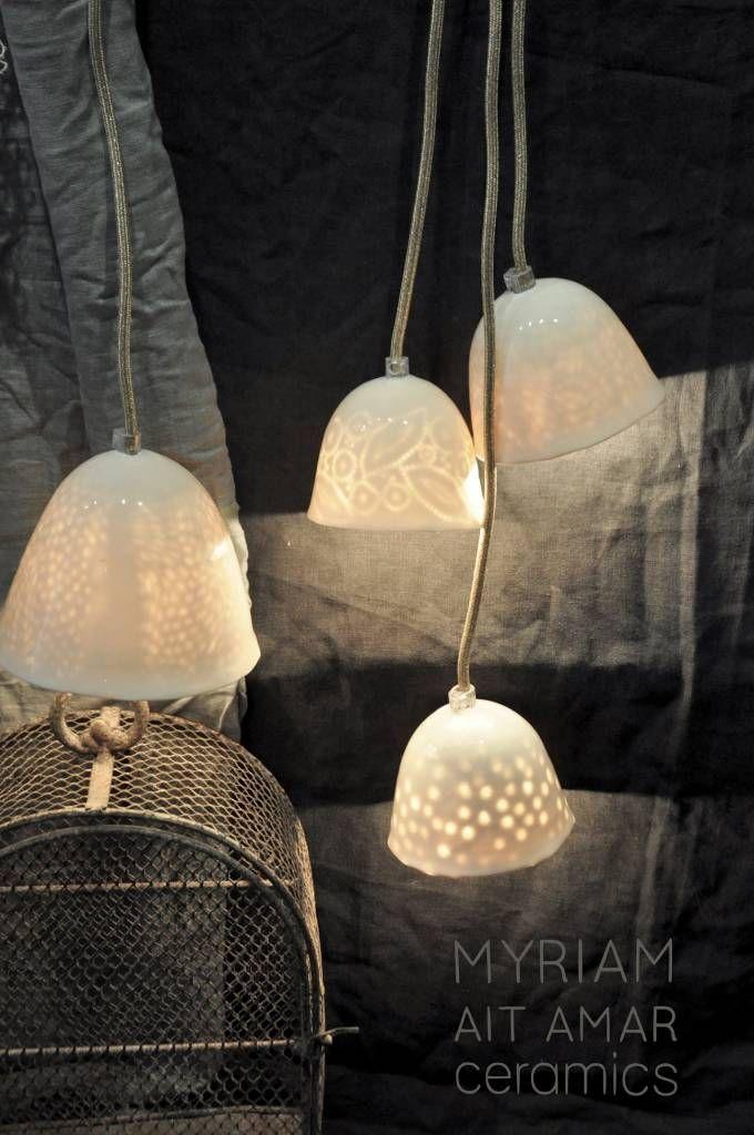Lampe en céramique avec intérieur gravé - motif dentelle - Myriam Ait Amar Ceramics - Petite Lily Interiors