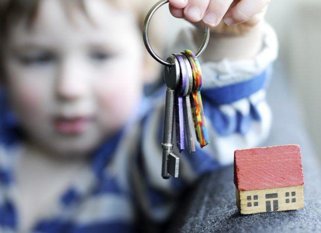 Права несовершеннолетних на совершение сделок