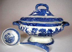 ~Vintage Blue Willow Covered Tureen w/ Ladle~