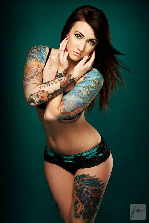 1000 images about girls are tattooed on pinterest for Hot tattoos for females
