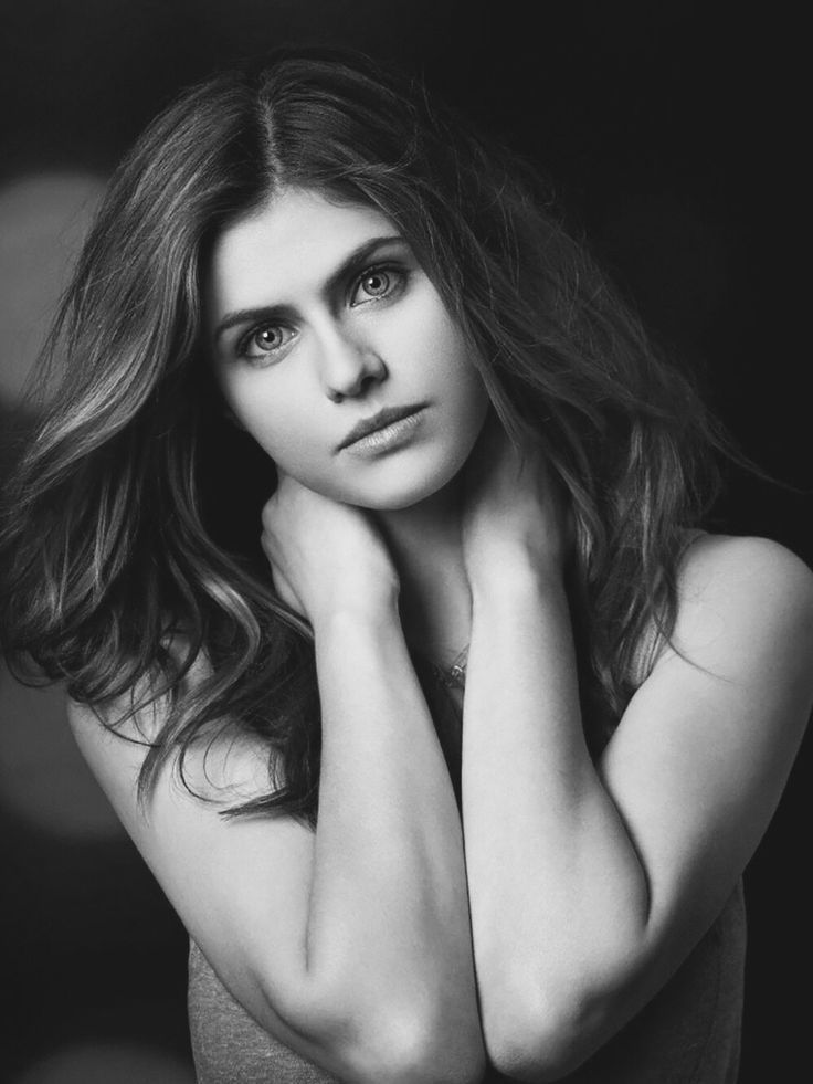 alexandra daddario black and white에 대한 이미지 검색결과