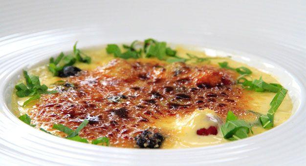 Navenant - Crème brûlée met frambozen, bramen, zwarte bessen en munt