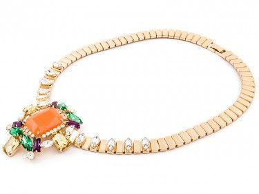 Złoty naszyjnik z koralowymi kamieniami Sprawdź więcej na www.carlena.pl
