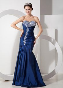 Modern Navy Blue Mermaid Prom Dress with Ruching and Beading
