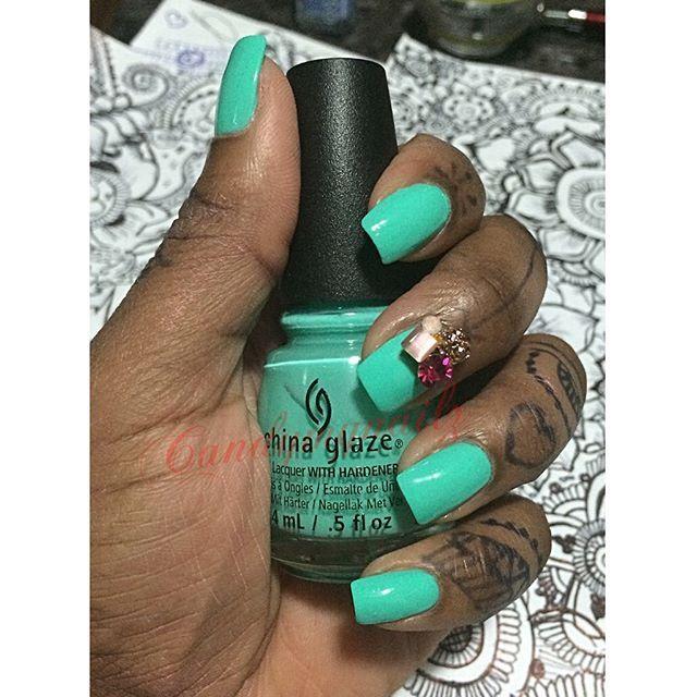 #tooyatchtohandle #nailpolish #naillacquer #naillove #lacquer #chinaglaze #craftyfingers #unhas #manicure #nails #accessories #artist #gelnails #dopenails #drawing #fashion #fcnails #faketattoo #jagua #jaguahenna #henna #mehndidesign #toronto #nailvarnish #nailfeature #nailartclub #tumblrnailsxo #nailsalon #nailartwow #nailartoohlala