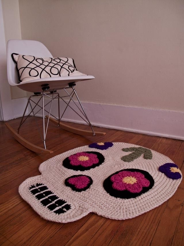 Day of the Dead/Skull Rug - someone make me this K!