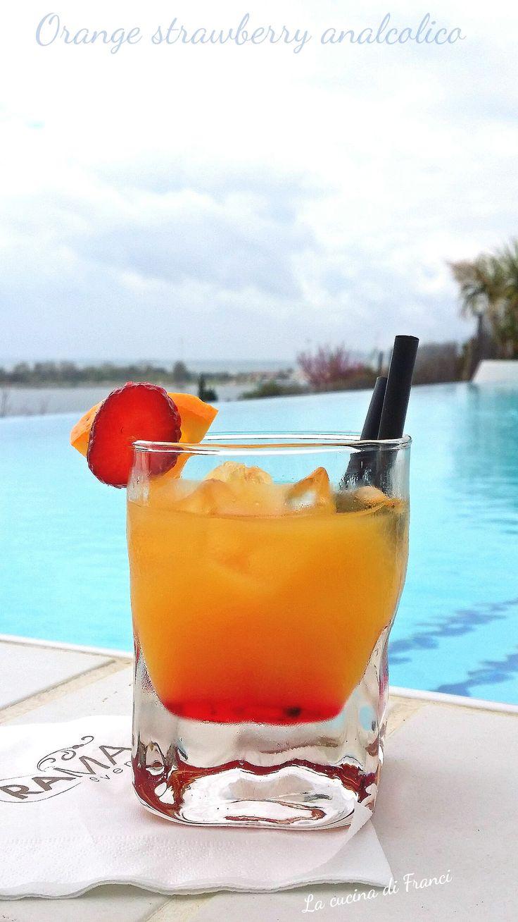 Cocktail analcolico arancia e fragola