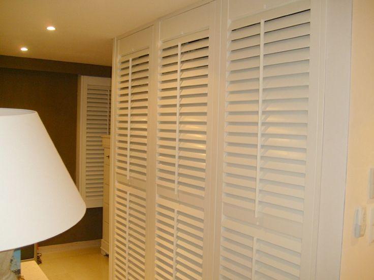 les 25 meilleures id es de la cat gorie porte placard persienne sur pinterest volet persienne. Black Bedroom Furniture Sets. Home Design Ideas
