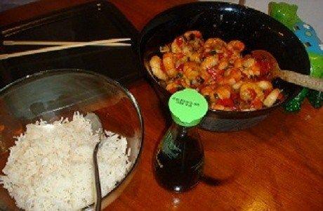 Креветки по-тайски в соусе из сладкого чили и имбиря