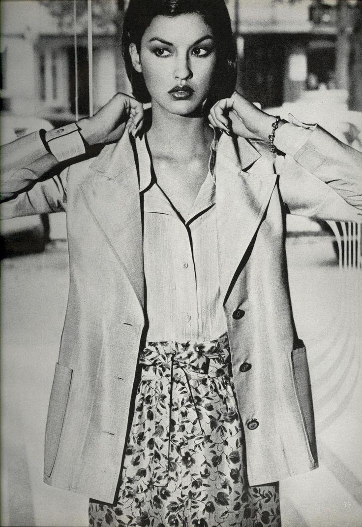 Vogue US Jan 1976 - Janice Dickinson by Mike Reinhardt