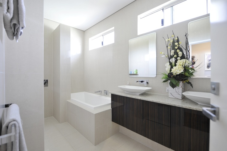 Upstairs display home bathroom.