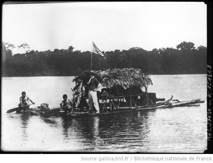 Expédition anglaise explorant l'Amérique du sud, la rivière Huellago [anglais sur un radeau dirigé par des indigènes] : [photographie de presse] / [Agence Rol] - 1