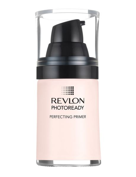 A revolutionary, lightweight primer that helps soften skin and diffuse light to help minimize imperfections.