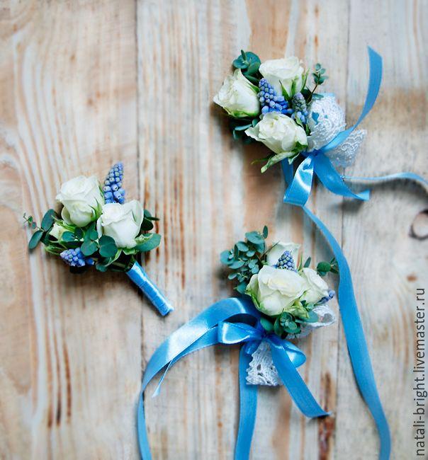 Купить Свадебные браслеты и бутоньерка из живых цветов - бутоньерка, бутоньерка для жениха, браслеты из живых цветов