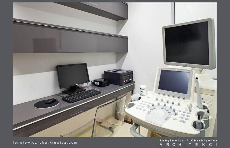 Wnętrze nowoczesnej kliniki ginekologiczno-położniczej Dębski Clinic w Warszawie. Gabinet. Projekt i realizacja: lengiewicz-charkiewicz.com #clinic