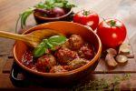 Gehaktballetjes in pittige tomatensaus recept op MijnReceptenboek.nl