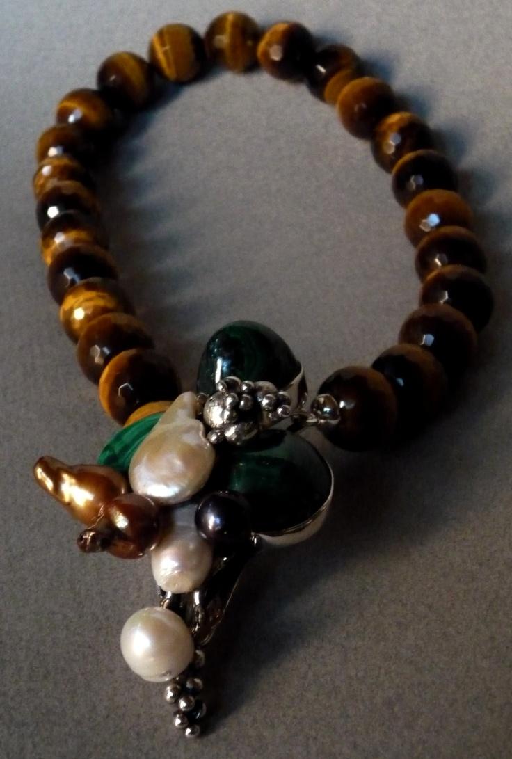 Collar: Tiger  Colección: Etnica  Materiales: Plata 925,Ojo de Tigre,Malaquitas y Perlas Barrocas
