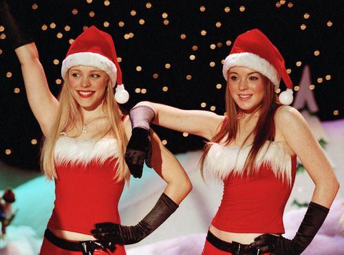 "Rachel McAdams & Lindsay Lohan / ""Mean Girls"" #Christmas #JingleBellsRock"