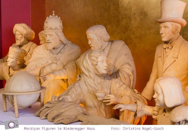 Lübeck: Marzipanfiguren im Niederegger Stammhaus