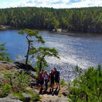 Een georganiseerde hike van ongeveer een halve dag door de prachtige omgeving van Stockholm. Check AdventureTickets.nl