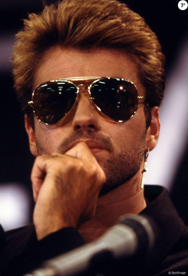 George Michael à Paris en 1988. Le chanteur anglais est mort à 53 ans le 25 décembre 2016.