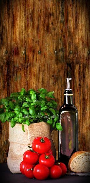 Olio,pane,pomodore e basilico