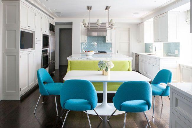 Sof verde combinado con sillas azules lilly bunn cocina for Sillas azules comedor