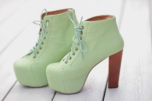 :))) #shoes