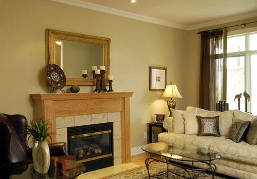 #Oriole, Living Room