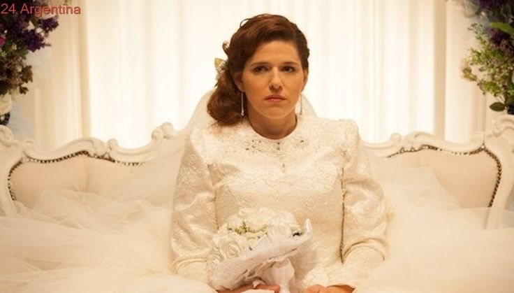 """Un novio para mi boda"": Mujer soltera busca"