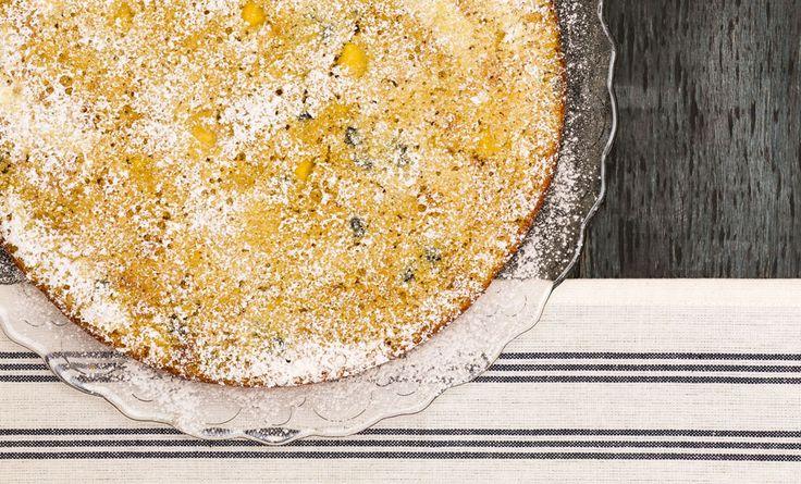 La torta vegan alla curcuma, scalderà il vostro autunno con il colore giallo del sole! La curcuma è una spezia che conferisce agli alimenti un colore giallo accesso, ideale quindi per le preparazioni di dolci vegani. Oltre al colore, la curcuma ha numerose proprietà benefiche e si può anche coltivare in vaso sul balcone di  … Continued