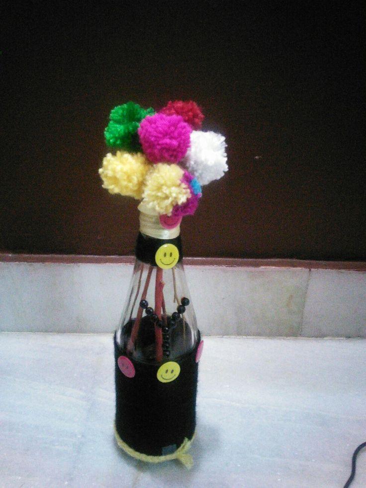 Bottle decoration with yarn