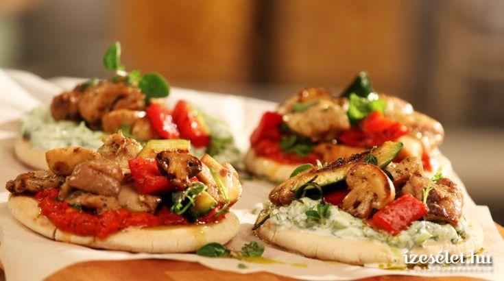 Pirított csirkekockák pitával és tzatzikivel - Receptek | Ízes Élet - Gasztronómia a mindennapokra