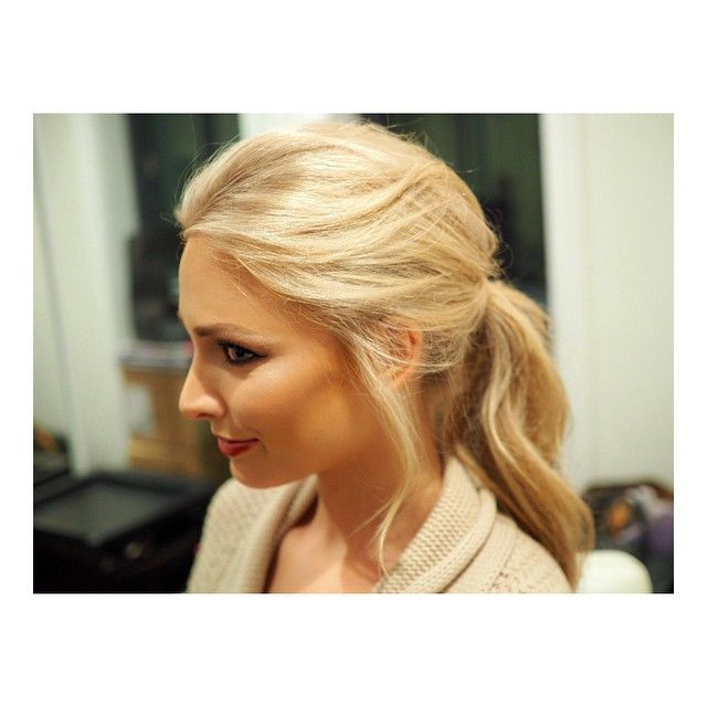 Anna Heinrich.. #hair @ponytail #looseponytail #romantic #loosehair