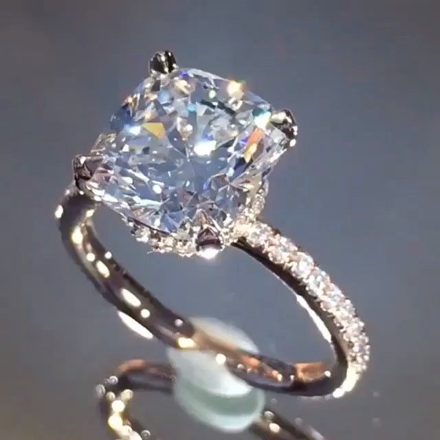 Enjoy This Stunning @laurenbjewelry Diamond Ring Via @Jewelry_Goals…