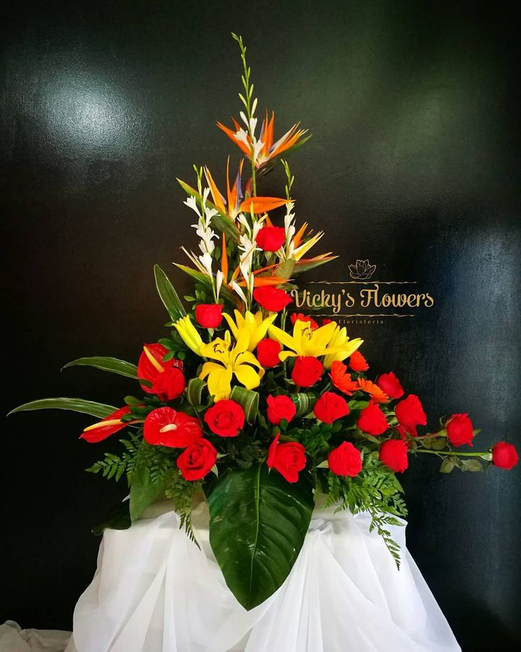 Cross Wedding Altar Flowers: Best 25+ Altar Flowers Ideas On Pinterest