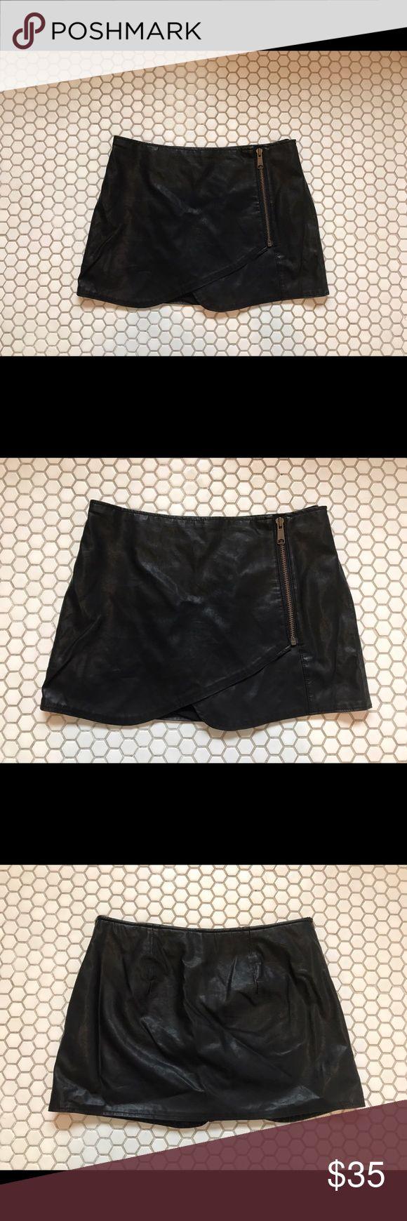 FREE PEOPLE vegan leather  (skort) ♠️♠️♠️ Free people skort ♠️♠️♠️ 100% polyurethane, rayon/ spandex / elastane shorts inside - feels really amazing ♠️♠️♠️  size 2 Free People Skirts Mini