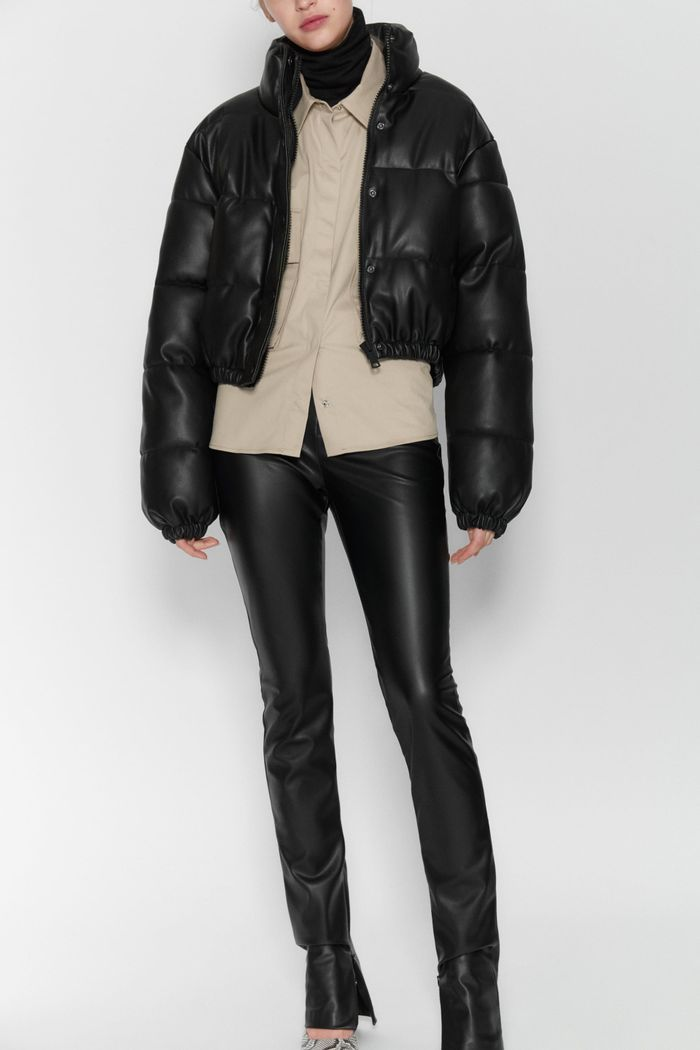 Zara Faux Leather Puffer Jacket In 2020 Puffer Jacket Outfit Zara Leather Airplane Outfits