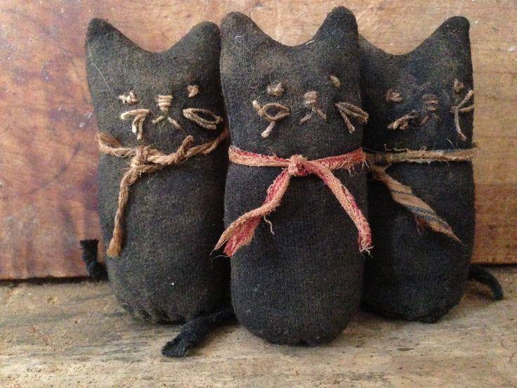 Tiny sock cats