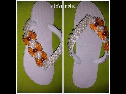 Chinelo decorado - Manta de flores de pérolas - YouTube                                                                                                                                                     Mais