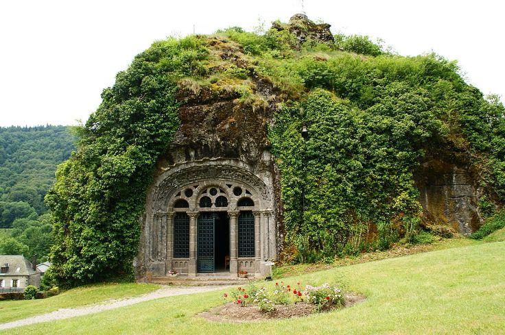 La chapelle monolithe de Fontanges