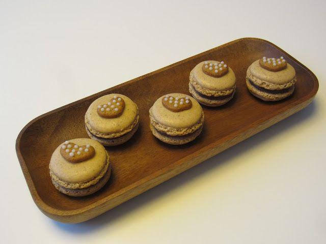 Herkkuja leipomassa: Piparkakku macarons/ Gingerbread Macarons