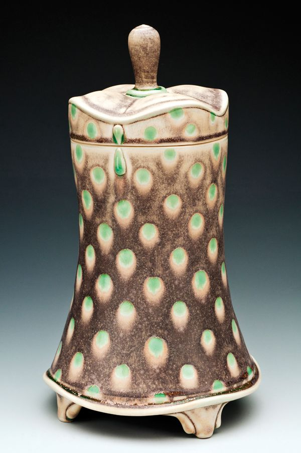 Amelia Stamps' vase. Stamps was selected as one of Ceramics Monthly's Working Potters in the June/July/August 2015 issue. Stamps' studio is located in Lexington, Kentucky. http://ceramicartsdaily.org/ceramics-monthly/ceramics-monthly-junejulyaugust-2015/