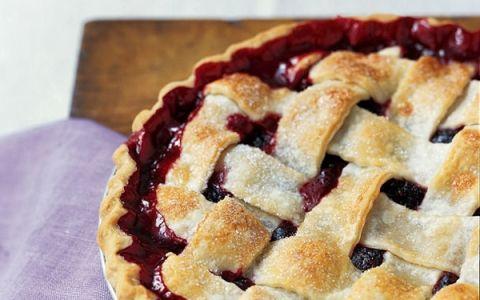 Remodelaholic   Easy Blackberry Pie Recipe