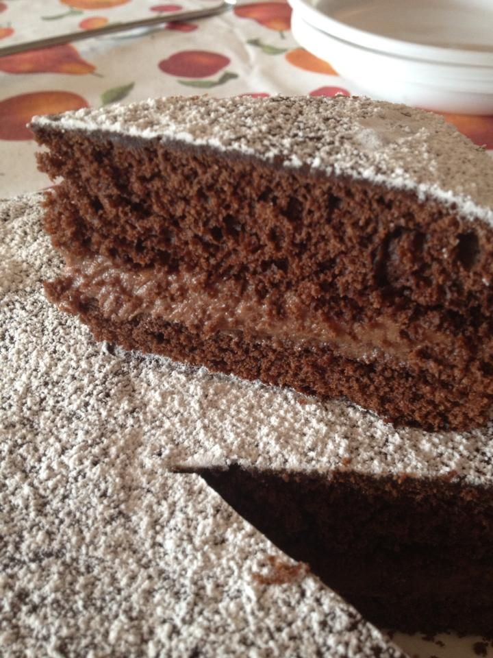 Ricetta torta moretta con mascarpone e nutella - golosità per tutti i palati: la torta moretta farcita con mascarpone e nutella è ottima in ogni occasione.